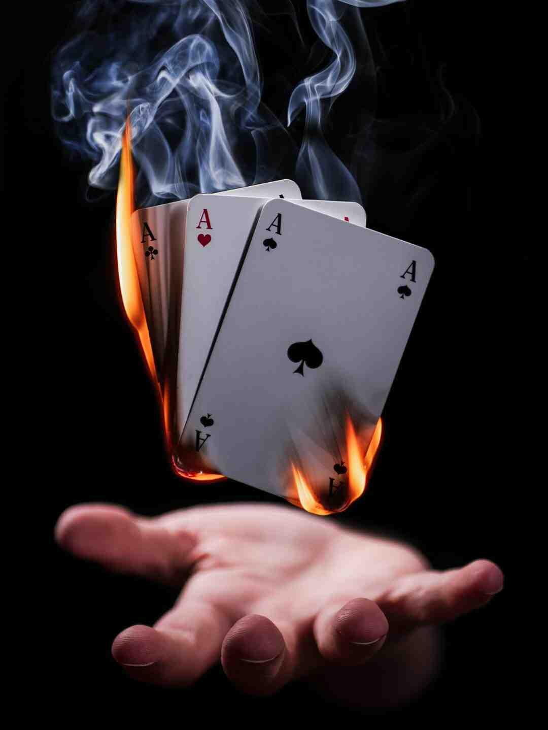Tour de magie avec des cartes pour débutant